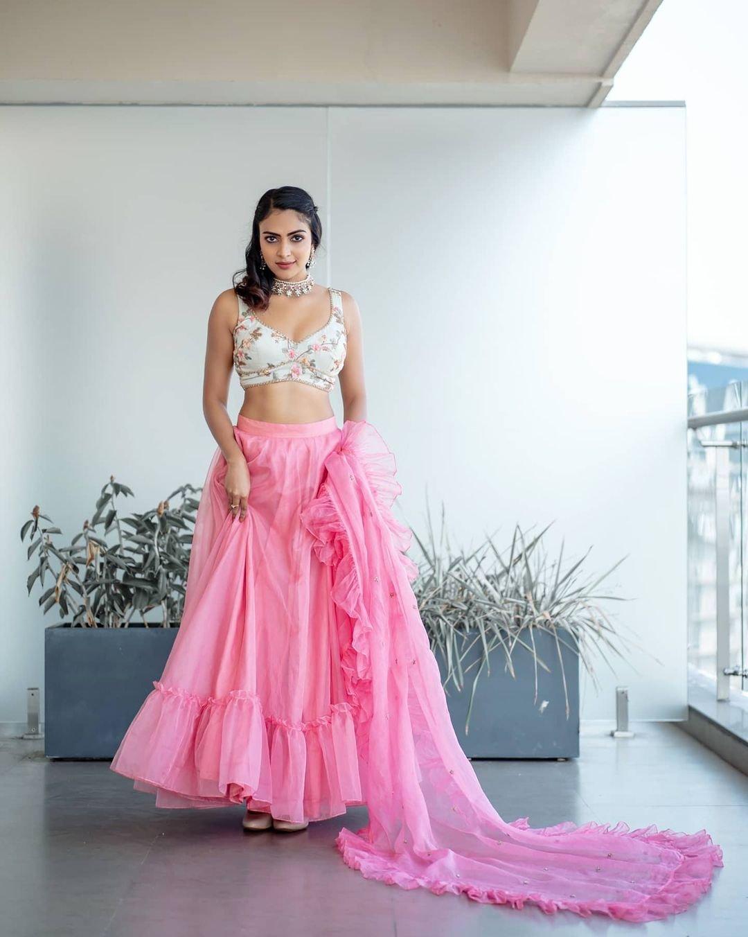 Actress-Amala-Paul-News-Photos-in-Pink-Dress-10