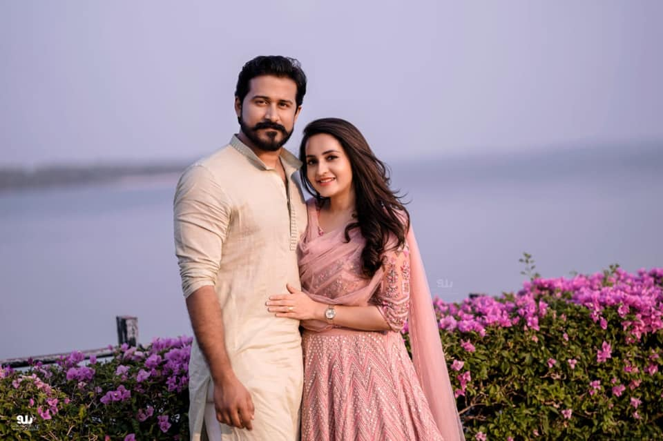 Actress-Bhama-Engagement-Photos-7