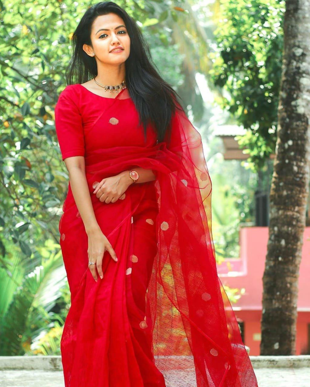 Manoharam-Heroine-Aparna-Das-In-Red-Saree