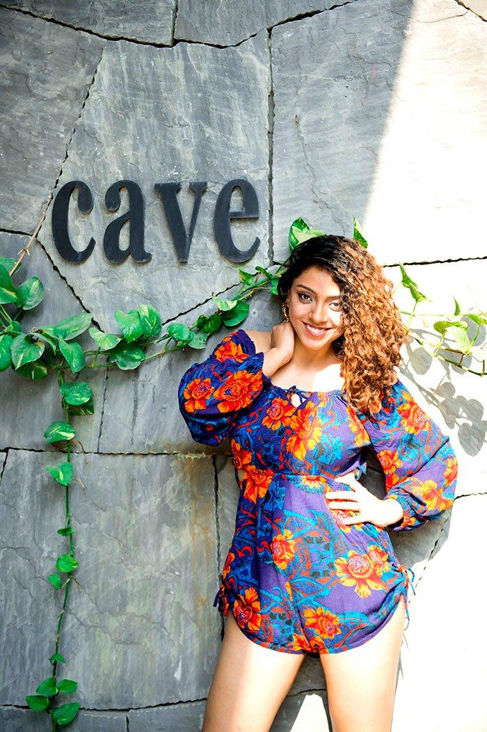 Actress Deviyani Sharma Photoshoot (4)