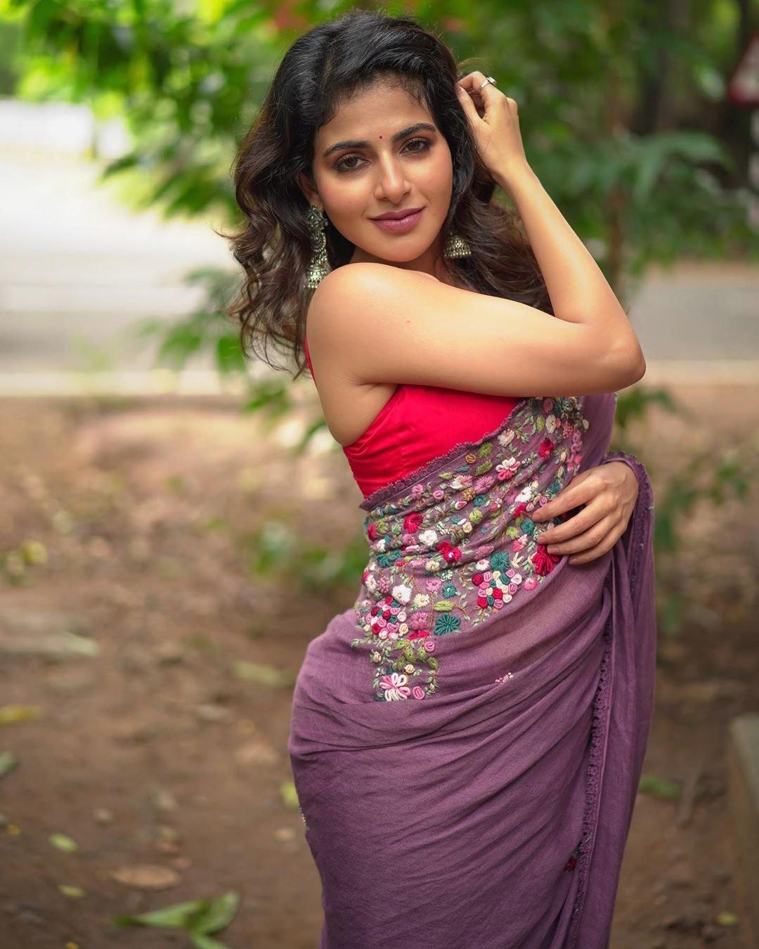 Iswarya-Menon-Photos-6
