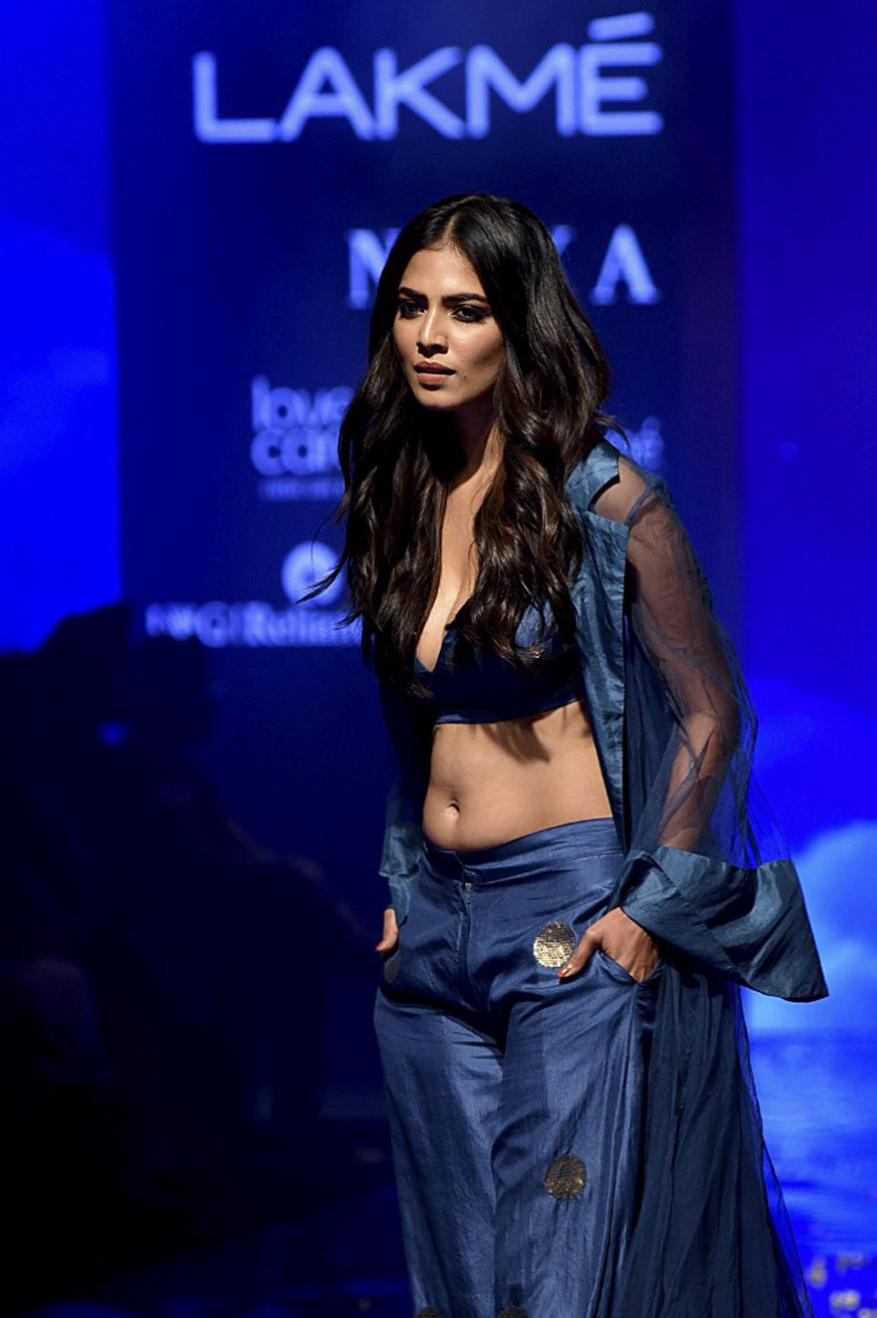 Malavika-Mohanan-LFW-Photos-4