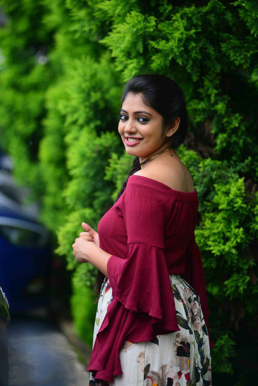 Malayalam Actress Veena Nandakumar Photos