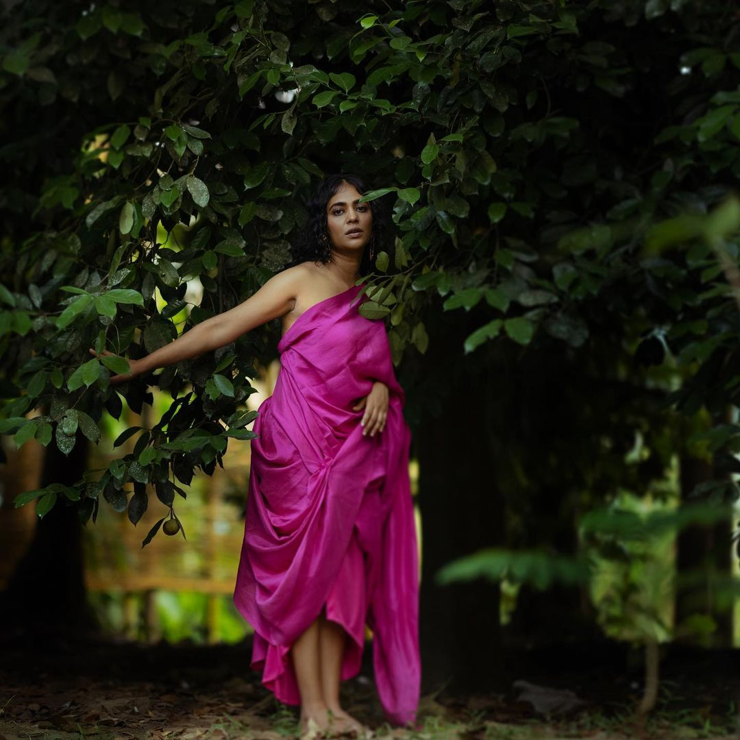 Malayalam-Actress-Srinda-New-Photoshoot-6