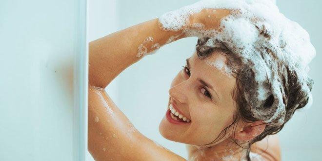 Dandruff-free Glowing Hair